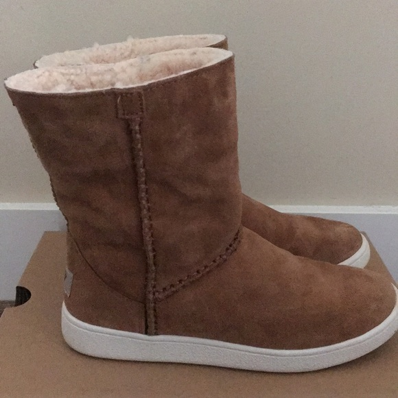 8e4a69b6b36 Ugg Mika Classic Sneaker Boots NWT